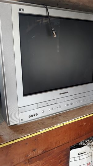 Panasonic 21 inches tv/dvd/vhs for Sale in Fontana, CA