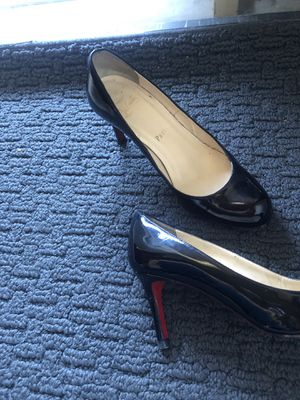 Worn Christian Louboutin heels SIZE 5. for Sale in Anaheim, CA
