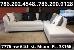 White leather sectional couch available for sale brand brand new for Sale in Doral, FL