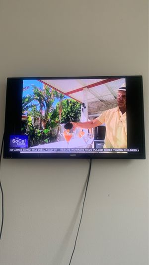 Sanyo 35 inch tv for Sale in Perris, CA