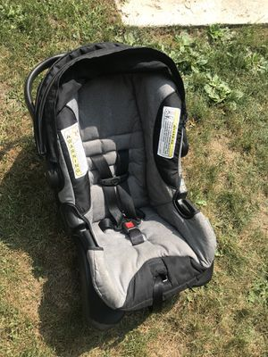 Car seat. Manufacture date 2015 for Sale in Green Bay, WI