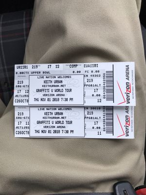 Keith Urban Tickets for Little Rock show. for Sale in North Little Rock, AR