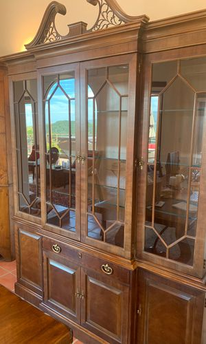 Henredon China cabinet for Sale in Carmel-by-the-Sea, CA