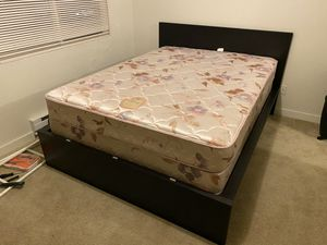 Queen sized bed + box spring + bed frame + headboard for Sale in Renton, WA