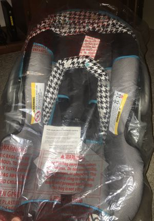 baby trend car seat ts40949 for Sale in Topeka, KS