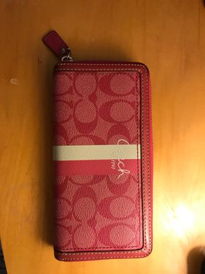 Coach Wallet Hot Pink for Sale in Chula Vista, CA