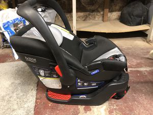 Britax car seat. B-Safe 35 Elite. for Sale in Bloomfield, CT