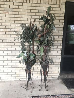 Stands with artificial plants for Sale in Russellville, KY