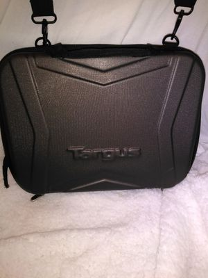 Small laptop hard case for Sale in Las Vegas, NV