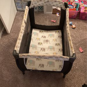 Babytrend Crib - Pack & Play for Sale in Clearwater, FL