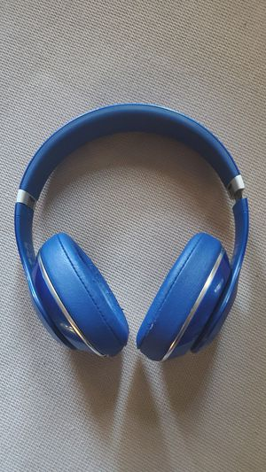 Wireless beats by dre headphones (blue) for Sale in San Marcos, CA