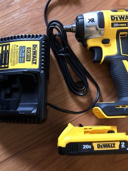 3/8 Impact Wrench 20 Xr Dewalt Battery And Charger for Sale in Washington,  DC