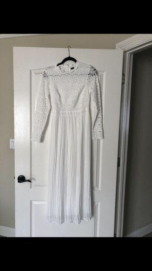 White long maxi lace dress for Sale in North Highlands, CA