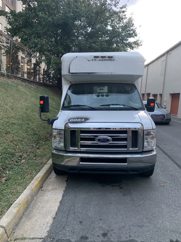 2014 Ford E350 Handicap Bus