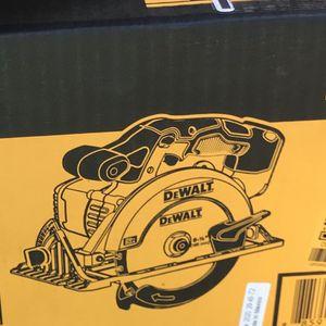 "DeWalt 6-1/2"" 20Volt Circular Saw for Sale in Oak Harbor, WA"