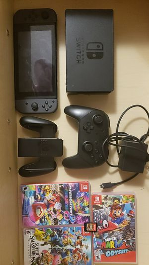 Nintendo Switch 5 Games, Pro Controller for Sale in Sandy Springs, GA