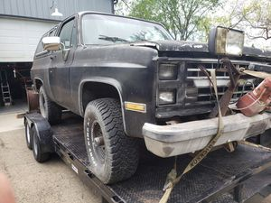 1988 Chevy Blazer 4x4 part out for Sale in Hinckley, IL