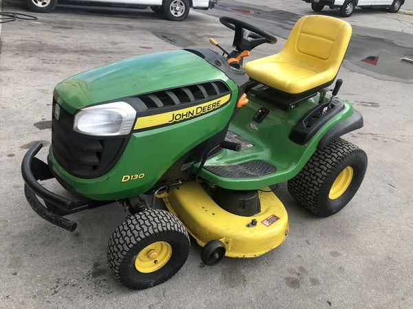 Tractor Corta grama Jhon Deere