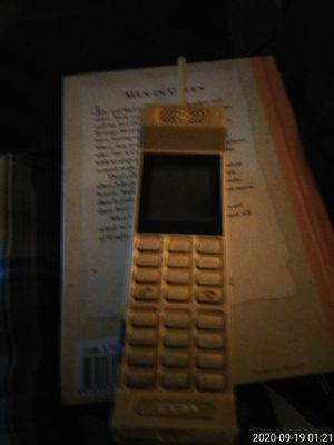 A old school phone from 1983 from china for Sale in Cape Coral, FL