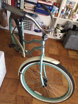 Bicicleta en buenas condiciones for Sale in Alexandria, VA