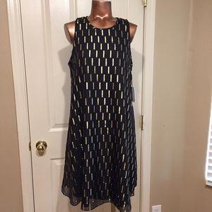 CALVIN KLEIN 🖤black & gold ... beautiful dress size 8 for Sale in Maricopa, AZ