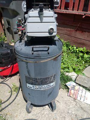 21 gallon electric air compressor for Sale in Verona, PA