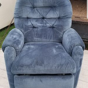 Lazy Boy Lift Chair for Sale in Vancouver, WA