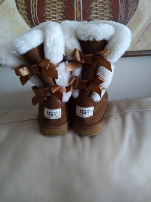 Ladies Ugg Boots for Sale in Lexington, SC