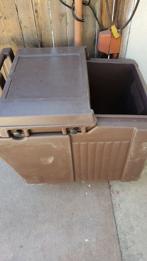 Rolling Cooler (Cambro) for Sale in Loma Linda, CA