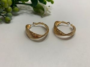 18K Gold Plated, Multilayers Gold Color Round Shape Hoop Earrings for Women for Sale in Tustin, CA
