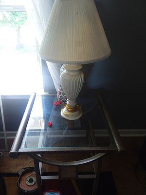 Lamps and table for Sale in Bridgewater, VA