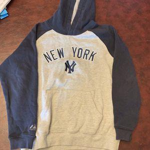 Vintage New York Yankee Hoodie for Sale in Queens, NY