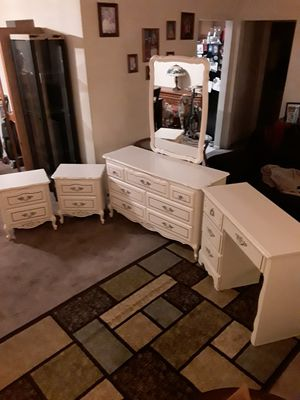 Bedroom set 7 drawer dresser, desk, 2 nightstands and mirror. for Sale in Whittier, CA