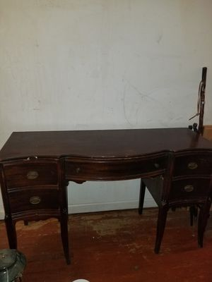 "Antique mahogany desk 30 1/4 "" 50"" founde 1840 by flint & HORNER furniture decoration new york for Sale in Fort Washington, MD"