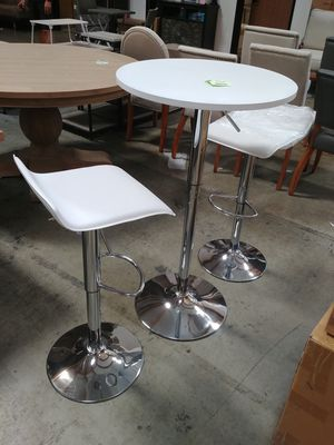 Two barstools+table. Brand new for Sale in Ontario, CA