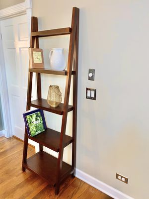5 tier leaning shelves for Sale in Naperville, IL
