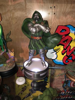 Kotobukiya fine art statue. Dr. Doom for Sale in Compton, CA