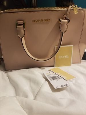 Michael kors bag for Sale in Clayton, NC