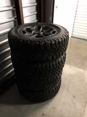 2018 matte black Jeep rubicon wheels rims with bfgoodrich mud terain tires for Sale in Hawthorne, CA