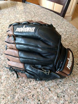 Nokona Fast Pitch / Baseball Glove for Sale in Puyallup, WA