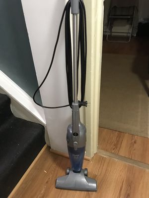 Shark 2 in 1 vacuum for Sale in Silver Spring, MD