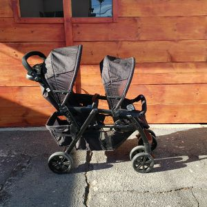 chicco double stroller EVERYTHING MUST GO MAKE A REASONABLE OFFER for Sale in Los Angeles, CA