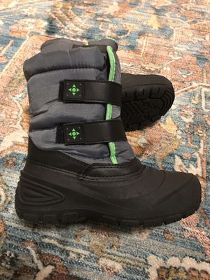 Kids Snow Boots Size 2 for Sale in San Diego, CA
