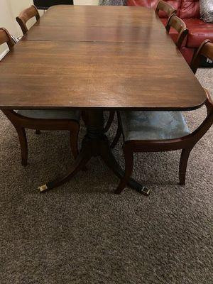 Antique look table and 4 chairs for Sale in Fairburn, GA