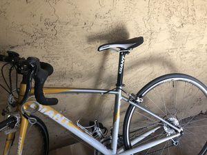 Giant woman's Avail triathlon/road bike for Sale in Solana Beach, CA