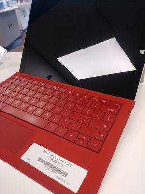 Microsoft Surface Pro 4 128gb, 4gb ram, core i5 for Sale in Everett, WA