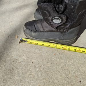 Boys Size 3 Snow Boots for Sale in San Diego, CA