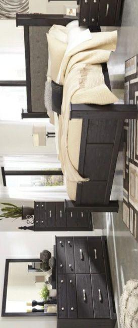 Reylow Dark Brown Poster Bedroom Set | B555 for Sale in College Park, MD