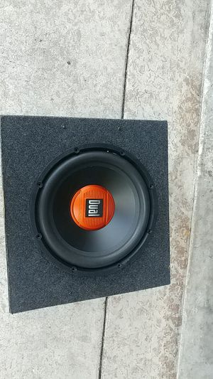 12 inch subwoofer and enclosure for Sale in Avon Park, FL
