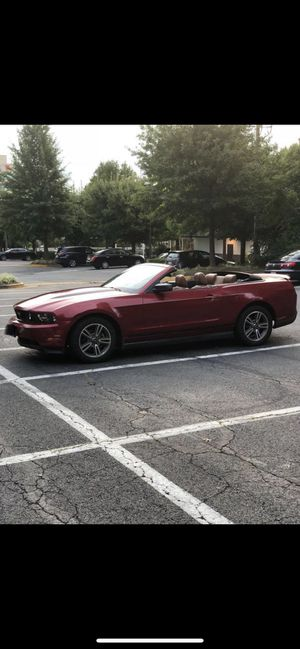 Mustang, Ford, 2010 for Sale in Alexandria, VA